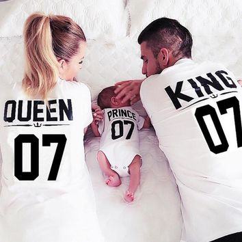 Cool Family Matching Outfits Mother Daughter T shirt Clothes Girls Shirts Queen King Princess Prince ClothingAT_93_12