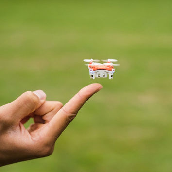 Mini Quadcopter With Tiny Propellers