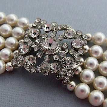 Wedding Jewelry Bracelet Swarovski Pearls by pinkingedgedesigns