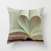 i heart books Throw Pillow by Shannonblue