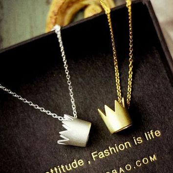 DCCKI2G Fashion stereoscopic crown necklace