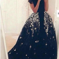 Amazing Black Prom Dress 2016 Scoop With Lace Applique Formal Long Evening Dress Puffy Train Saudi Arabia Lady Party Gowns M1487