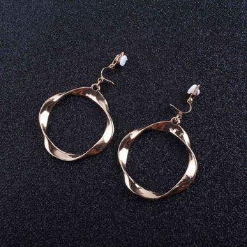 JIOFREE Simple and stylish geometric Clip on Earrings Without Piercing for Women Party Weddng Luxury Ear Clip