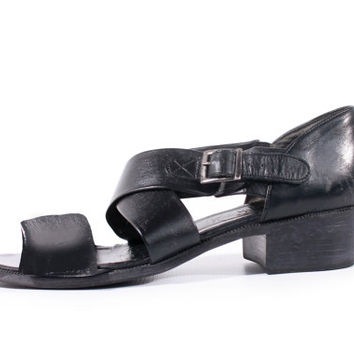 90s Vintage Black Sandals Strappy Leather Side Buckle Chunky Heel Minimalist Goth Retro Shoes Made in the USA Women Size US 8 UK 6 Eur 38/39