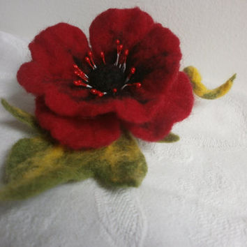 Felt brooch,red poppy felt flower brooch,blach green felt brooch flower,women  jewerly, felt red brooch, red flower , hair clip pins jewelry