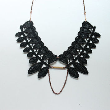 lace statement necklace // HENRIETTE // black collar necklace // modern // spiky // tribal // goth