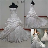 Princess Cut Taffeta Wedding Dress with Cathedral Veil