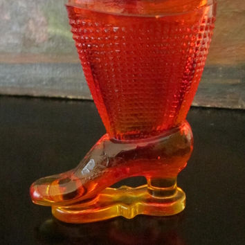 Le Smith Amberina Textured Pressed Vase Glass Boot
