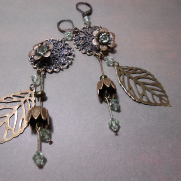 Bohemian Earrings -  Chandelier dangle earrings - Antique bronze Filigree Earrings