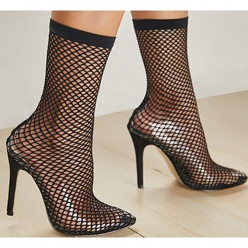 Hot style sells transparent, thin and high-heeled sandals with perforated pointy mesh toes
