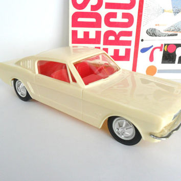 1965 Ford Mustang Fastback Toy Car Plastic Push Car White Red Interior Display Model