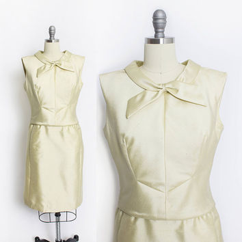 Vintage 1960s Dress - Pale Yellow Gold Silk Mod Cocktail Dress - Large