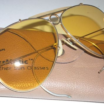 1970's ERA VINTAGE BAUSCH & LOMB RAY BAN AMBERMATIC SHOOTERs AVIATOR SUNGLASSES