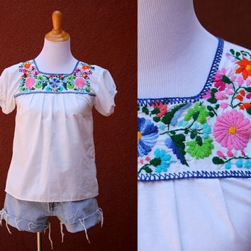 Vtg 70's Mexican Peasant Blouse Floral Embroidered Red orange Flowy Shirt Small Medium multicolor