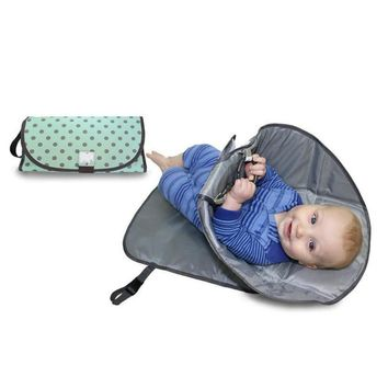 2018 New  Folding waterproof baby pad Portable Clean Hands Diaper Clutch Changing Station