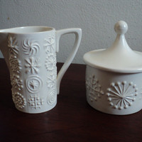 Portmeirion Totem white creamer and sugar by valeriesvintagehome