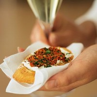 Roasted Red Pepper Pesto Crostini | Williams-Sonoma