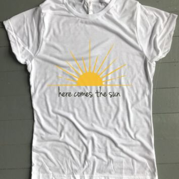 Here Comes The Sun Women's Tee - Weekend Originals