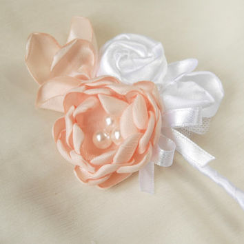 Wedding boutonniere in peach and white, groom boutonniere, lapel stick pin, best man brooch, elegant lapel pin