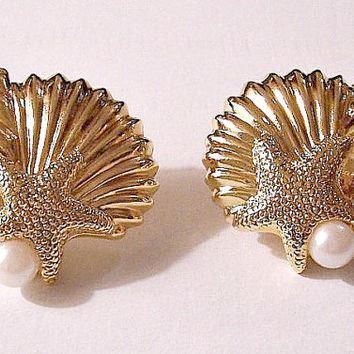 Pearls Shells Starfish Clip On or Pierced Earrings Gold Tone Vintage Large Sea Conch Clam White Round Bead