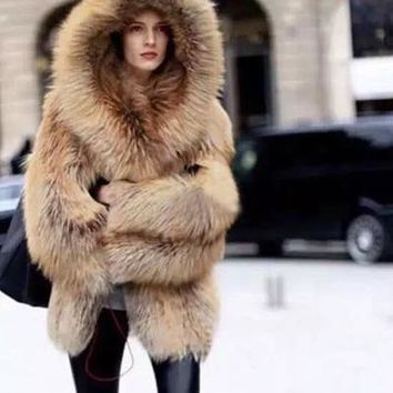 2017 winter imitation fox fur coat luxury women hooded thicker jacket coat wj1678 fashion brand good quality dropship