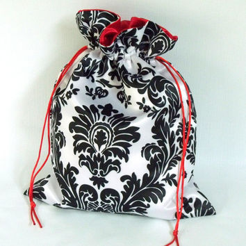 Dollar Dance Bag Black and White Damask  With Red Lining No Pockets