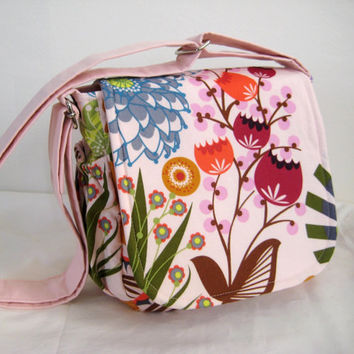 Messenger Bag in Anna Maria Horner print by moxiebscloset on Etsy