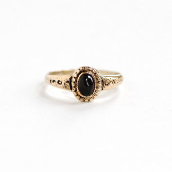 Antique Edwardian Gold Filled Garnet Cabochon Ring - Vintage Early 1900s Size 4 3/4 Red Oval Gem Repousse Jewelry