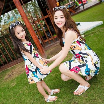 CREYWQA mother daughter dresses 2016 summer style new fashion elegant cartoon duck print casual Princess summer dress family matching