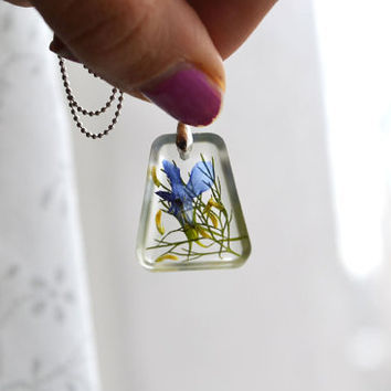 Pressed Flower Jewelry, Romantic Real Flowers in Resin Necklace, Lobelia and Clover Flower Leaves Pressed