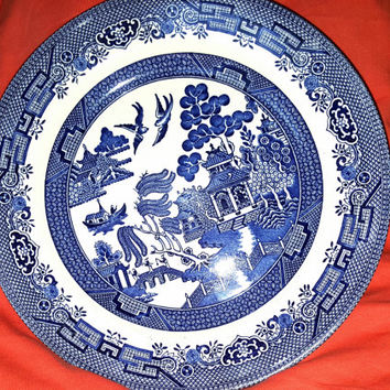 Churchill Staffordshire England Dinner Plate in Blue and White, White Willow Pattern