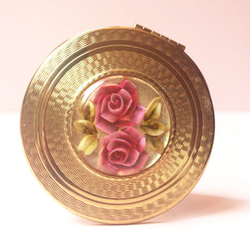 Powder Compact, Kigu Powder Compact, Lucite Compact, Mirror Compact, Pink Roses, Loose Powder Compact, Gold, Perspex Flowers - 1950s / 1960s