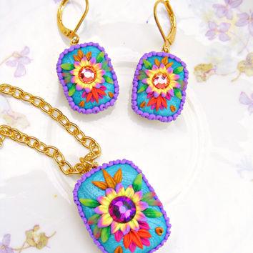 Mexican Embroidery Pendant Necklace, Colorful Polymer Clay Flower Pendant, Kawaii Flower Necklace, Polymer clay Jewelry, Kawaii Jewelry
