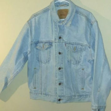 MEDIUM LEVI STRAUSS denim trucker jacket