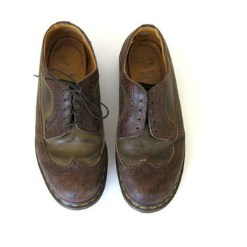 vintage brown leather heavy duty chunky Air Wair Doc Martens wingtip shoes Made in Endland // 6