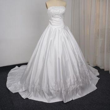 Wedding Ball Gown Strapless Embroidery Royal Luxury Beaded Bridal Wedding Dresses