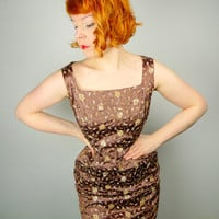 50s brown gold BROCADE wiggle dress w. EMBROIDERED floral pattern and hourglass silhouette dress ROCKABILLY pinup style dress uk12 s-m