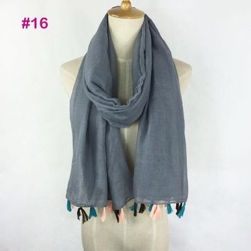 Hot selling very fashion ladies solid color tassel scarf shawl hijab wholesale