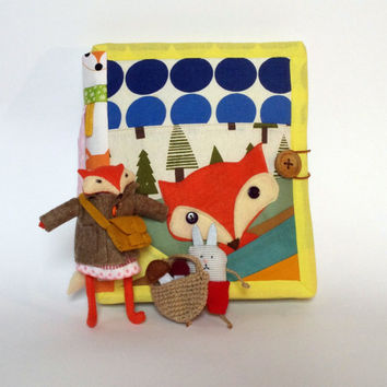 Dollhouse Quiet Book, Busy Book, Quiet Book,  Dress up doll, stuffed fox, activity book,  travel dollhouse ,  pretend play, travel toy, gift