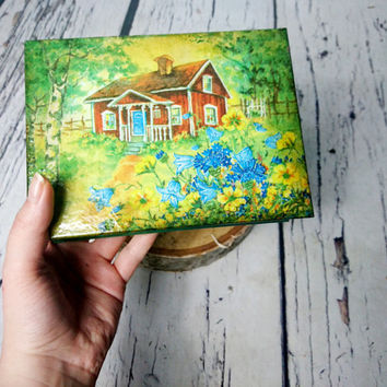 Trinket box, green cottage in forest, retro decoupage, gift for her, jewelry box, vintage decor, cottage chic, small box, keepsake gift