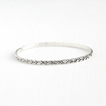 Vintage Sterling Silver Leaf Vine Bangle Bracelet - Retro 1940s 1950s Eternity Nature Inspired Design Stacking Thin Silver Wrist Jewelry