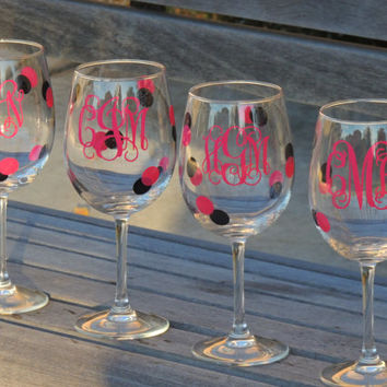 Monogrammed wine glass, personalized glass, party wine glass, mint vinyl glass, wedding wine glass, wine glass gift, wedding gift