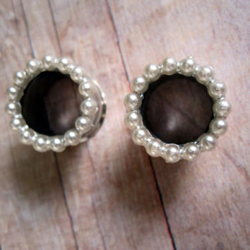 "VINTAGE Acrylic Pearl Wreath Tunnels - Formal Plugs - Bridal - Prom - 9/16"", 5/8"""