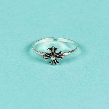 CH Adjustable Open-end Floral Cross Silver Ring