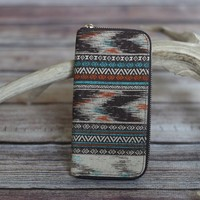 Aztec Print Zipper Wallet