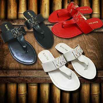 MK 2019 new female models T-strap buckle flat bottom fashion beach sandals