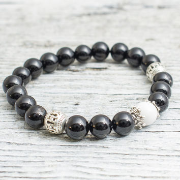 Matte black onyx and white howlite beaded stretchy bracelet, mens bracelet, womens bracelet
