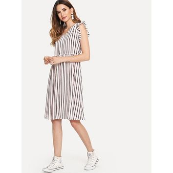 New V-neck striped short-sleeved dress