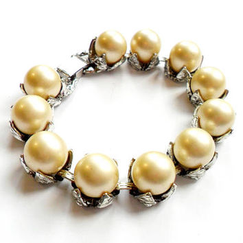 Vintage Chunky Faux Pearl Bracelet - Link Bracelet - Judy Lee- Silver Tone Setting - Bold Overstated Design - Signed Marked