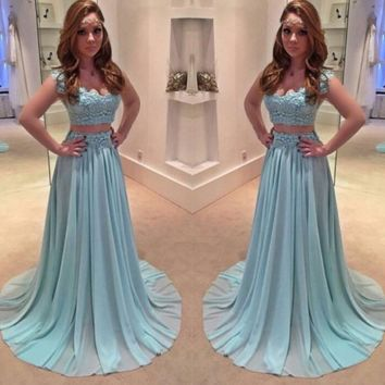 Chiffon A Line Graduation Dress Prom Dresses 2017 V Neck Evening Dress Appliques Party Gowns